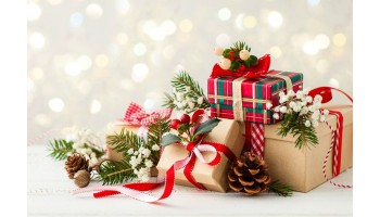 Вітаємо з Новим роком та Різдвом Христовим!!! Даруємо подарунки!